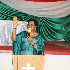 SE Denise Nkurunziza exhorte les Bakenyererarugamba à se munir d'armes spirituelles.
